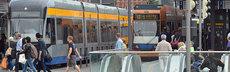 Frau tritt in leipziger strassenbahn nach verletzter 17 jaehrigen wolfgangzeyen