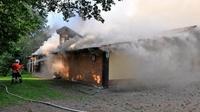 Schuetzenhaus in rittmarshausen brennt in voller ausdehnung big teaser article